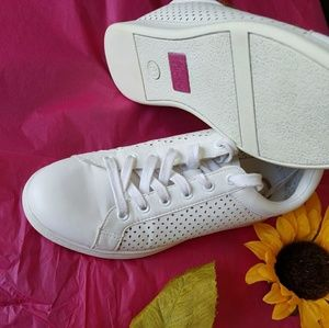 Sam Edelman perforated  sneakers size 8.5
